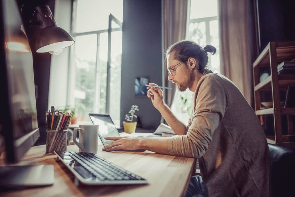 Top 5 Things You Can Do To Earn Money At Home Right Now